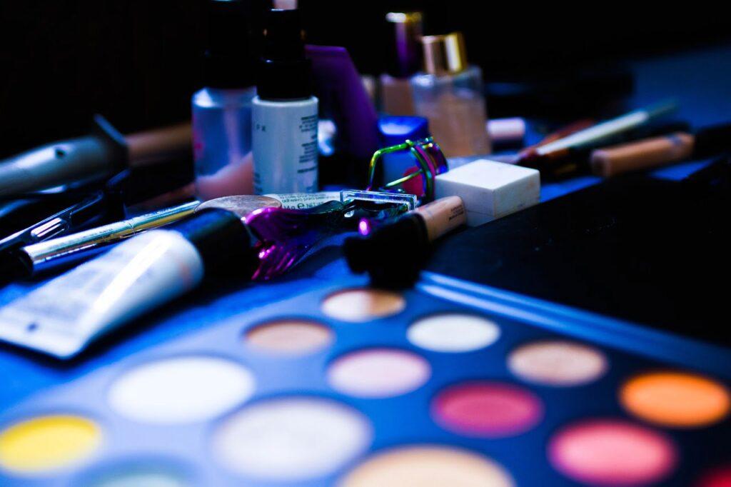Nyx glitter goals liquid eyeshadow, Nyx Lipstick