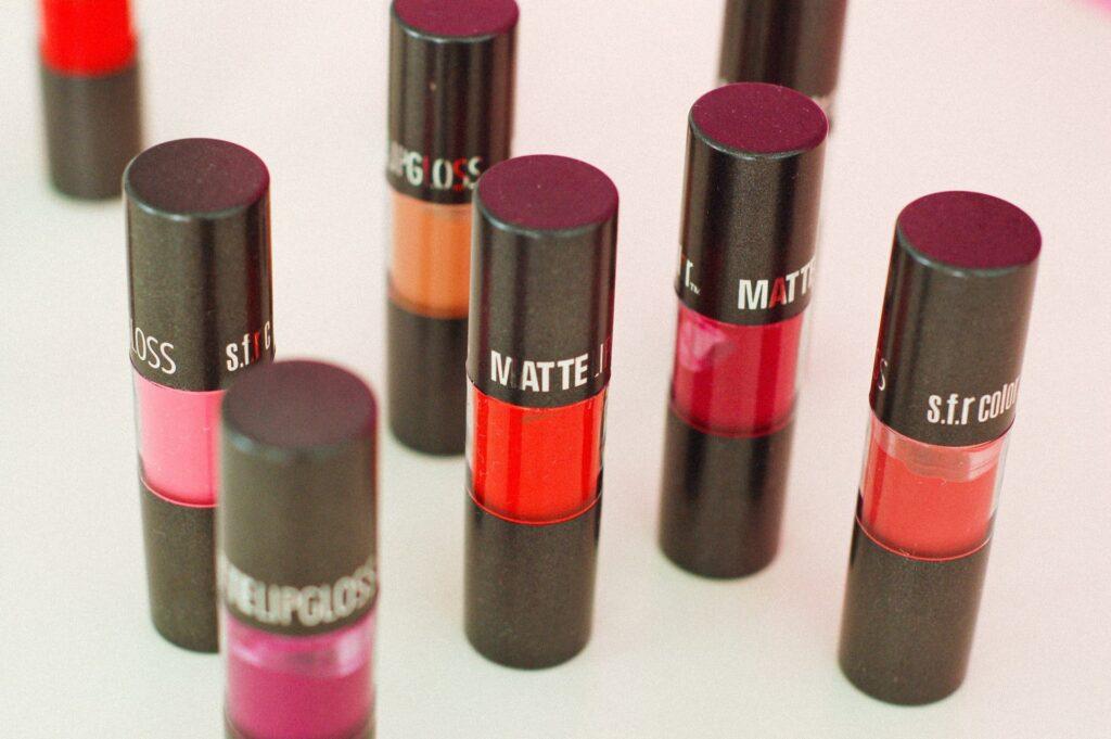 nyx super cliquey,nyx lipstick