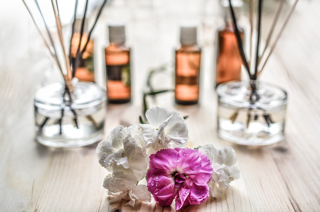Homemade makeup products are good for sensitive, normal or dry skin